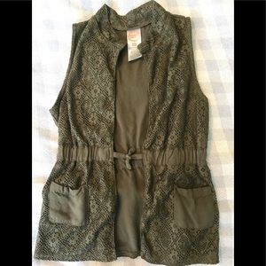 Cute Olive Colored Vest by Wonder Nation, 6-6X